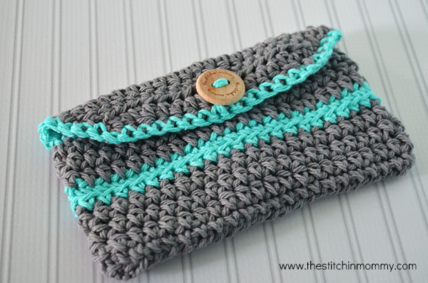 Free Crochet Clutch Pattern : Crochet Mini Clutch Purse - Free Pattern www.thestitchinmommy.com