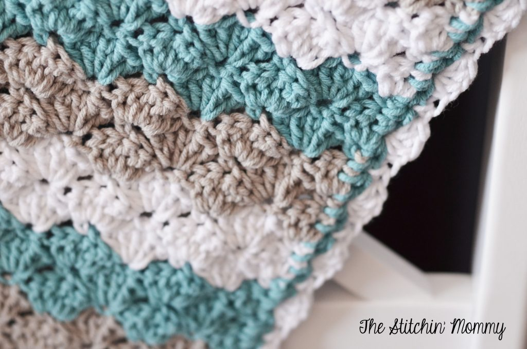 Crochet Shell Stitch Baby Blanket by The Stitchin' Mommy www.thestitchinmommy.com