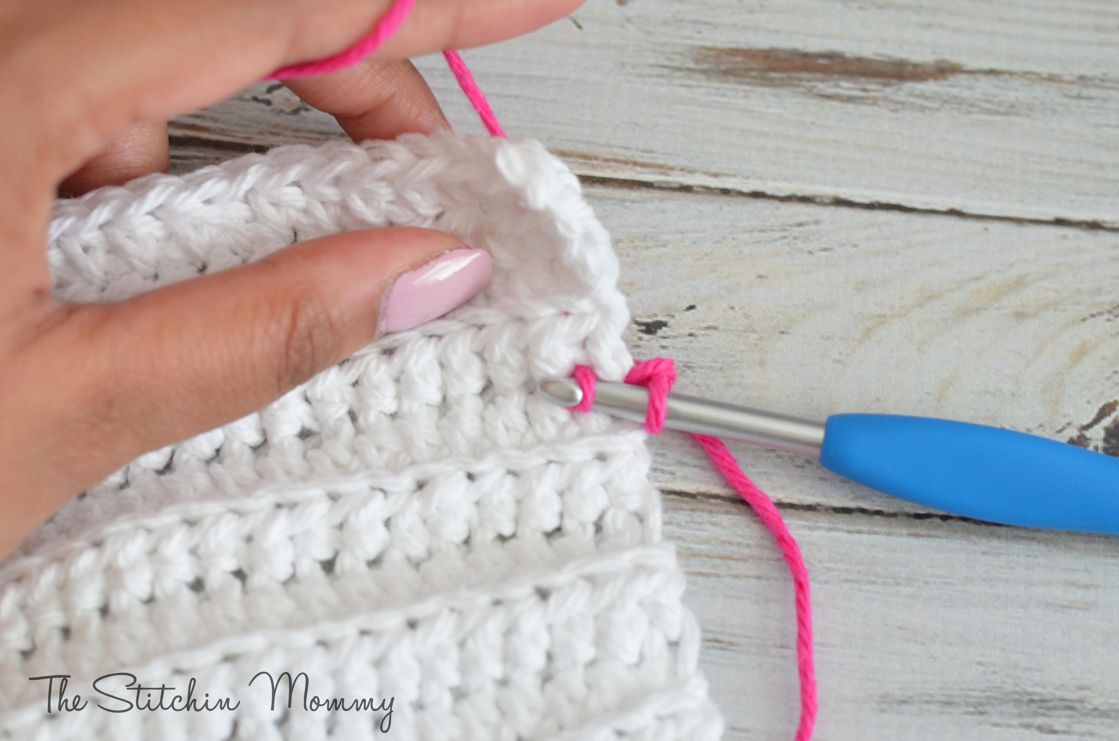 Crochet Striped Dishcloths - www.thestitchinmommy.com