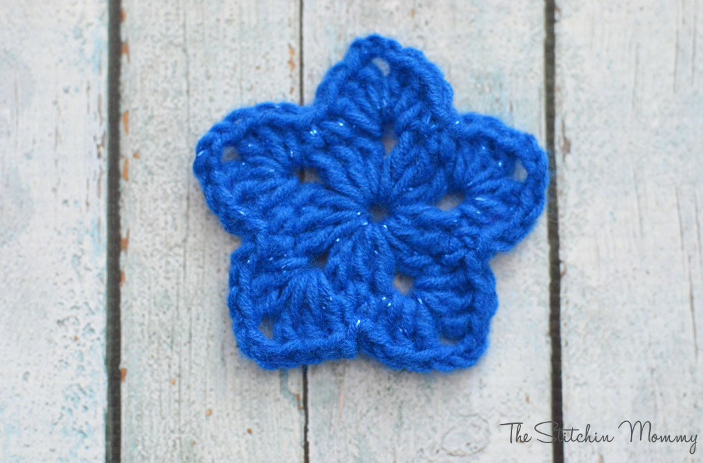 Crochet Granny Star www.thestitchinmommy.com
