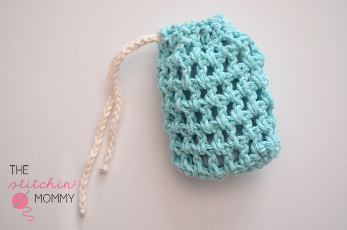 Easy Mesh Soap Saver | www.thestitchinmommy.com #soapsaver #spa #wash #bath #spaday #mesh #easy #crochet #pattern