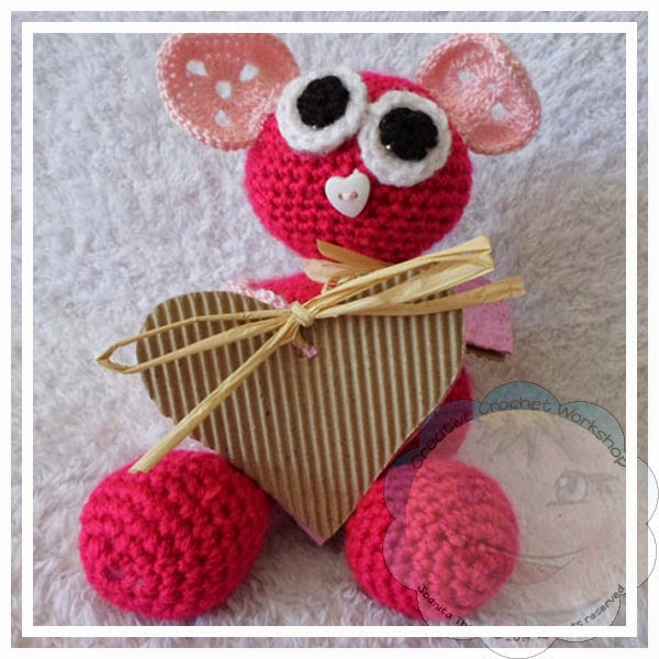 Crochet Patterns Valentines Day : ... Hearts! 15 Free Valentines Day Crochet Patterns - The Stitchin Mommy