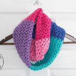 Berry Cakes Infinity Scarf – Free Crochet Pattern