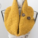Butterscotch Button Cowl – Free Crochet Pattern