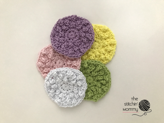 Nubby Scrubbies - Free Crochet Pattern and Vanilla Sugar Scrub Recipe #SpaBasketCAL | www.thestitchinmommy.com