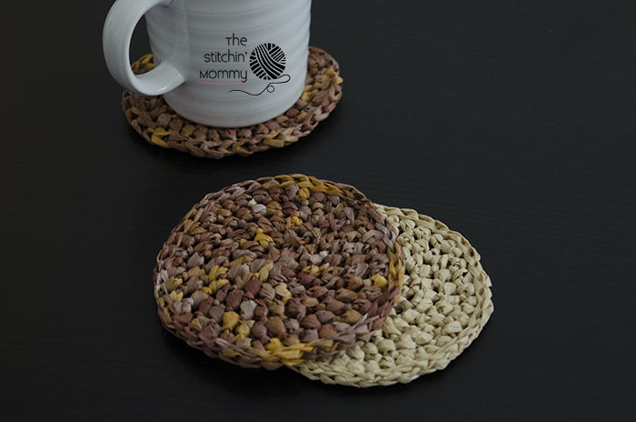 Free Online Crochet Patterns For Coasters : Raffia Coasters - Free Crochet Pattern - The Stitchin Mommy