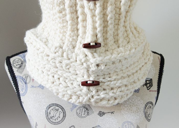 Starlight Button Cowl – Free Crochet Pattern